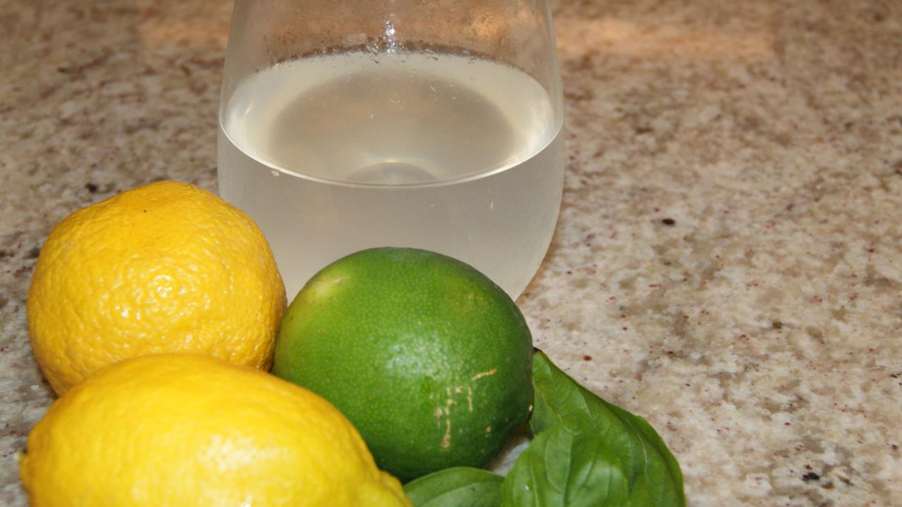 Recipe: Lemon Cleanser